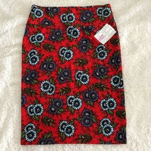 NWT - Lularoe Cassie (Pencil) Skirt (Floral) (M)
